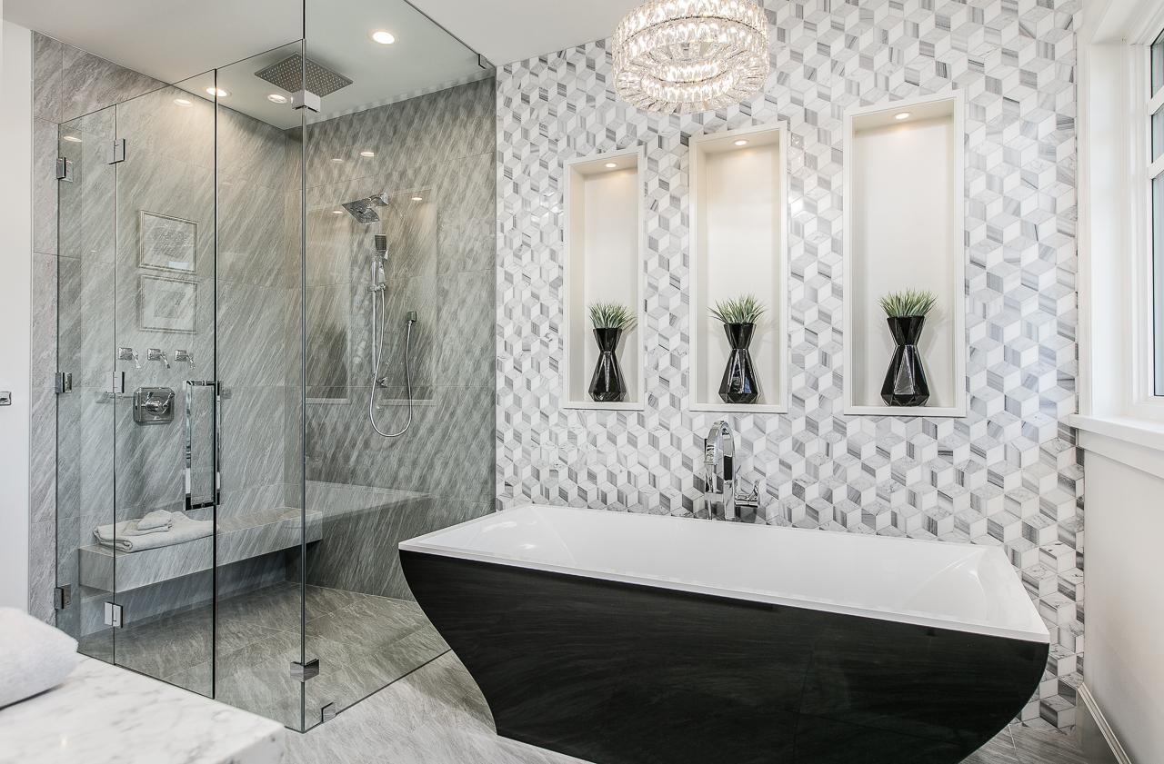 black tub transitional master bath