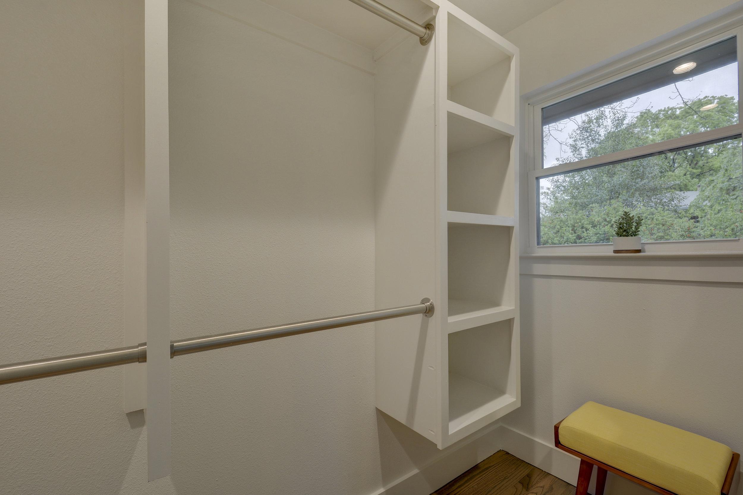2812 W 50th St-print-023-22-Master Closet-4200x2802-300dpi.jpg