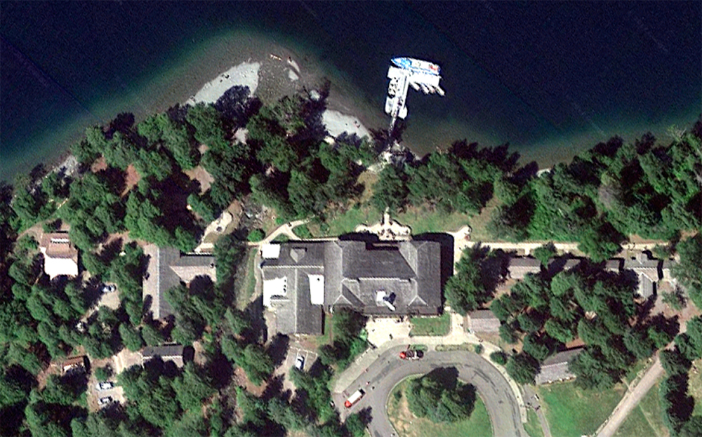 Lake McDonald Lodge, satellite view. Click for Google Map link. Note: this and all following satellite views of National Park Lodges are oriented in the same direction; main entrance at the bottom.