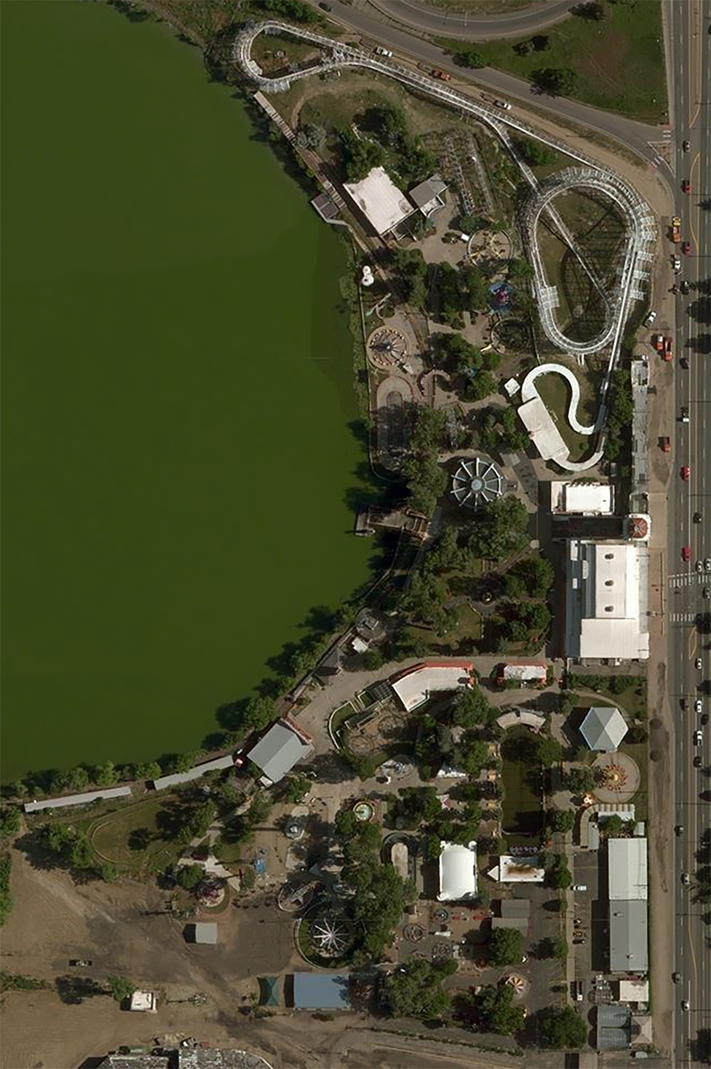 Lakeside Amusement Park, satellite view. Click for Google Map link.