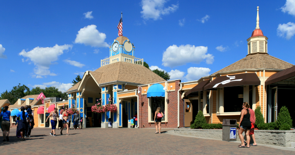 valleyfair-panorama-01.jpg