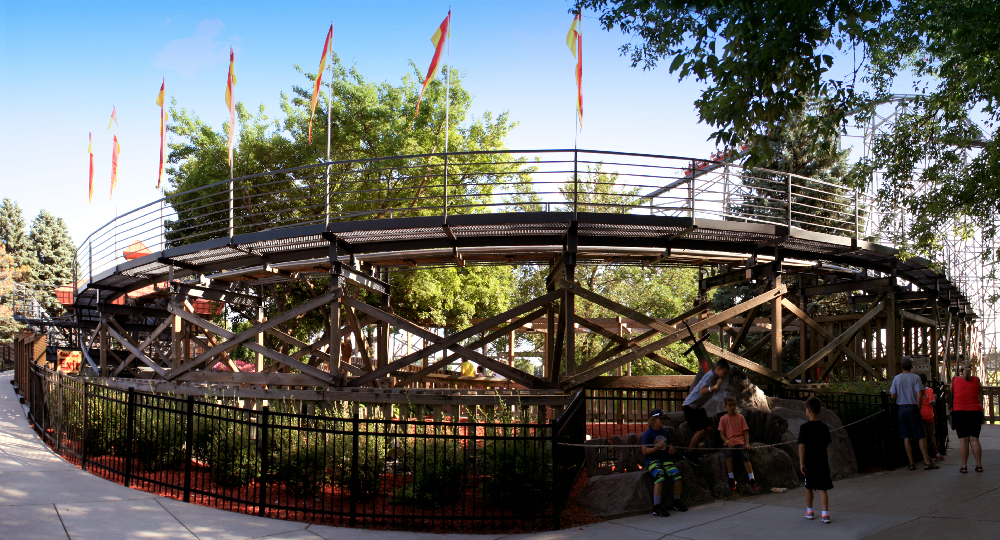 valleyfair-panorama-08.jpg
