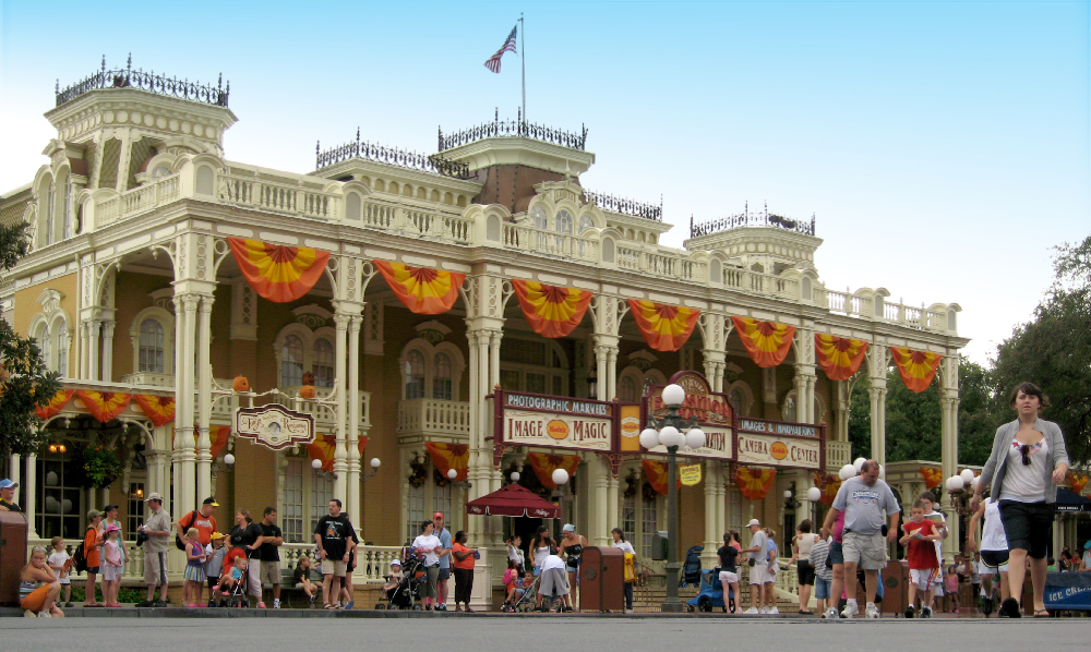 Town Square Theater at the Magic Kingdom, 2007.
