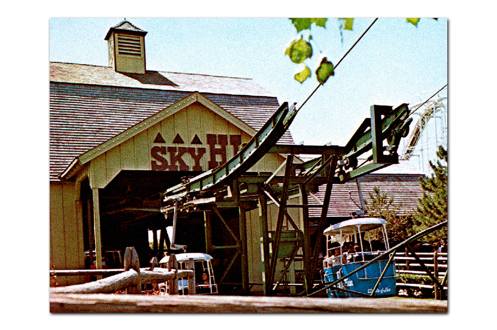 Vintage postcard,  Sky-Hi  station in  Americana  (1973–1987).