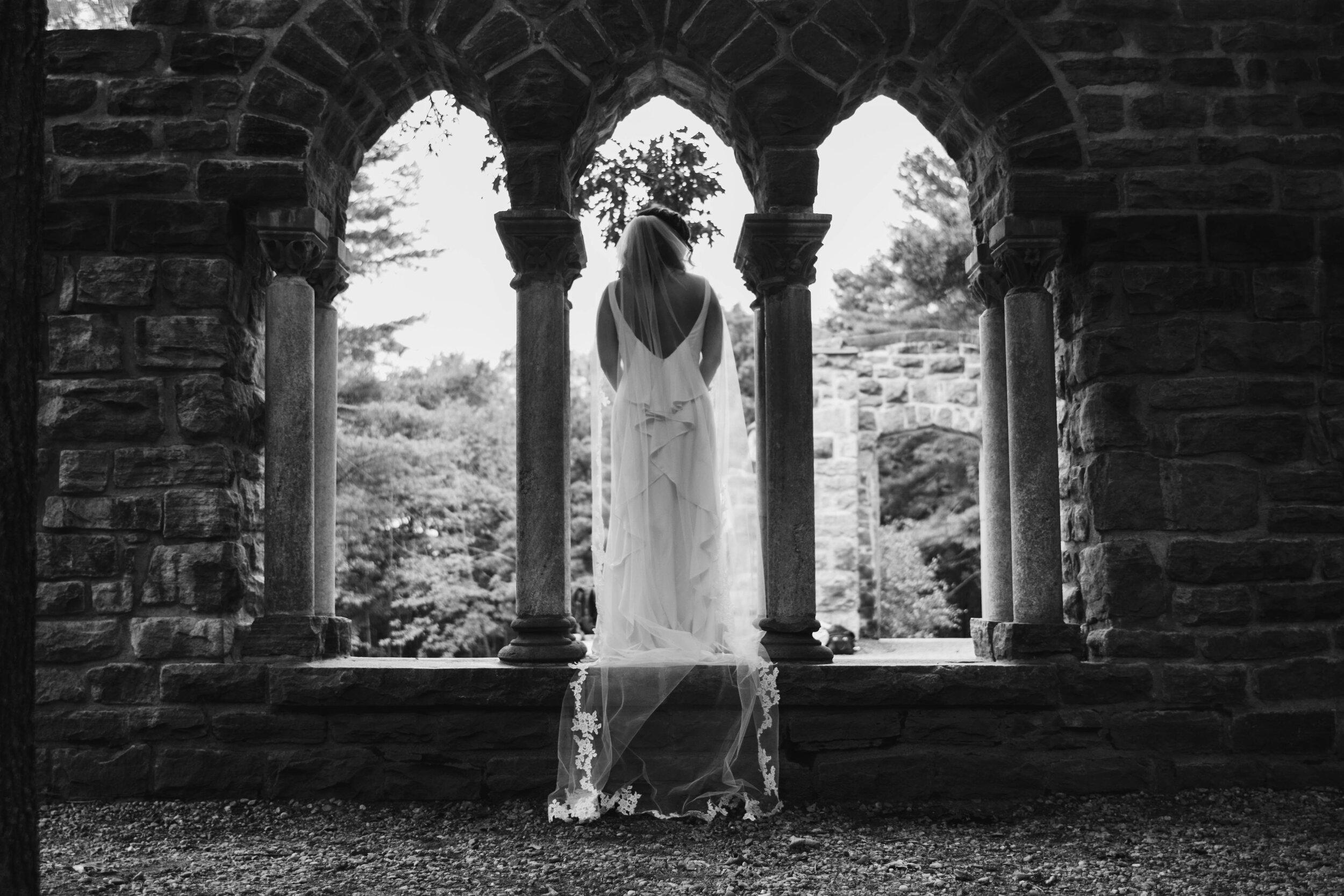 wedding-dress-veils-trains-lengths.jpg