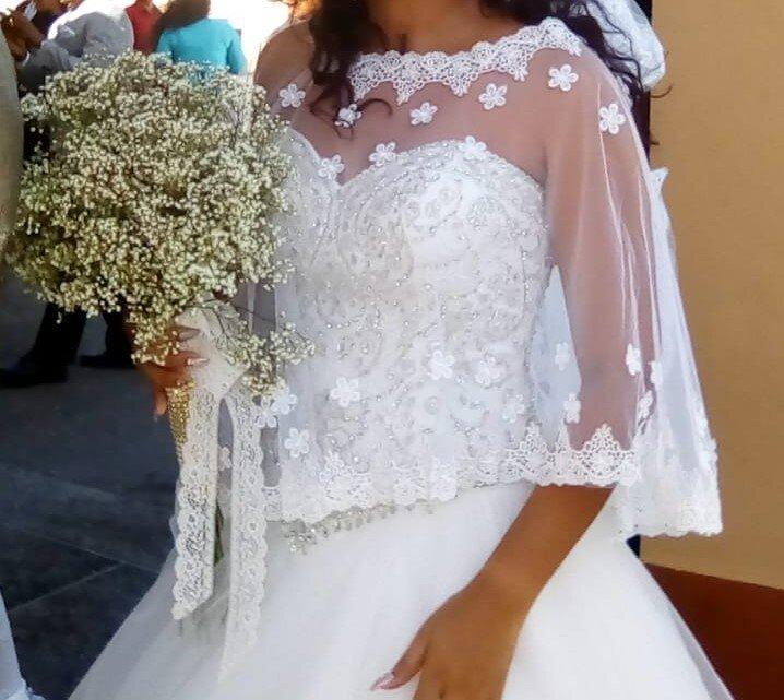 capelet-wedding-dress-natasha.jpg