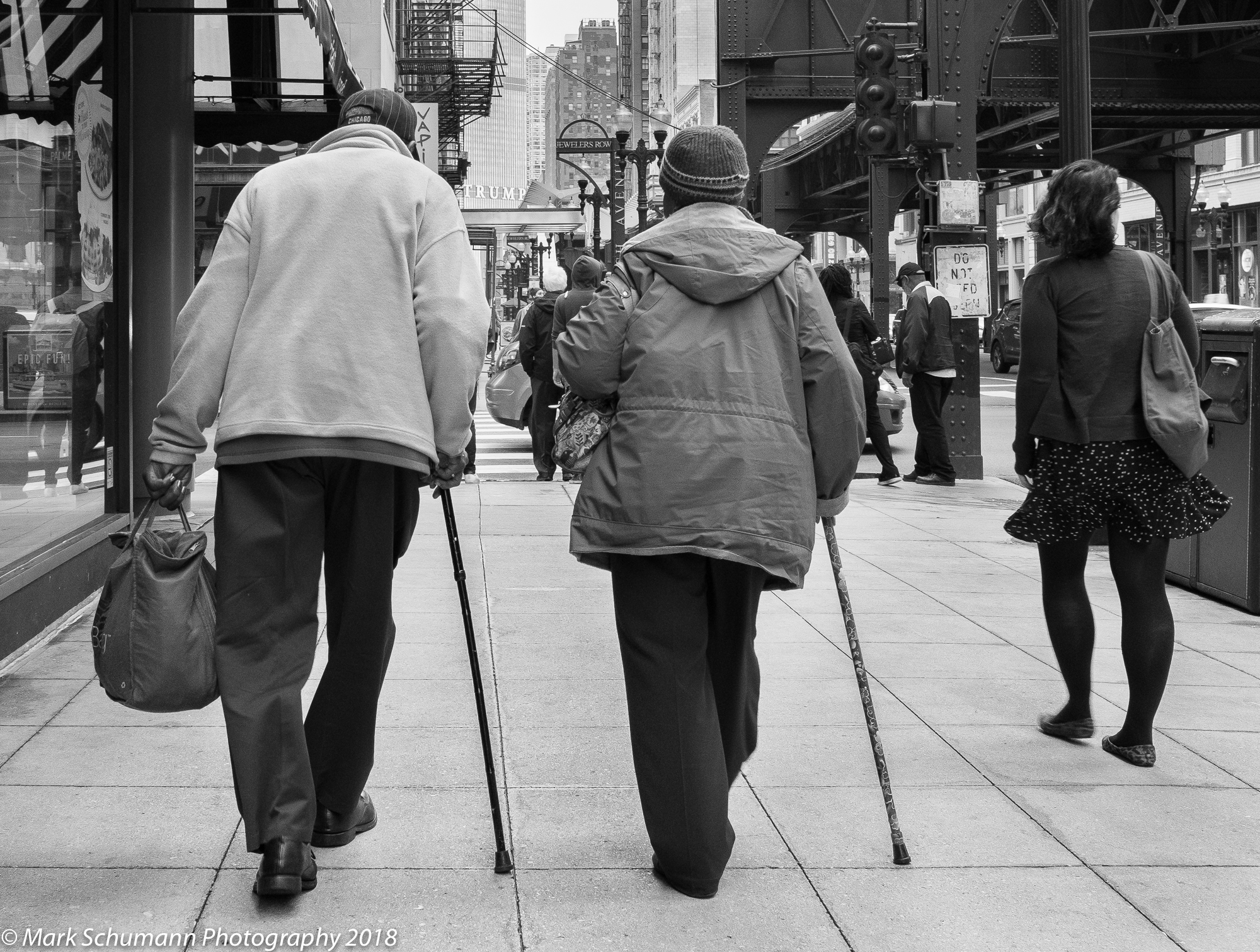 Street Photography_Chicago_Walking Together_113018.jpg