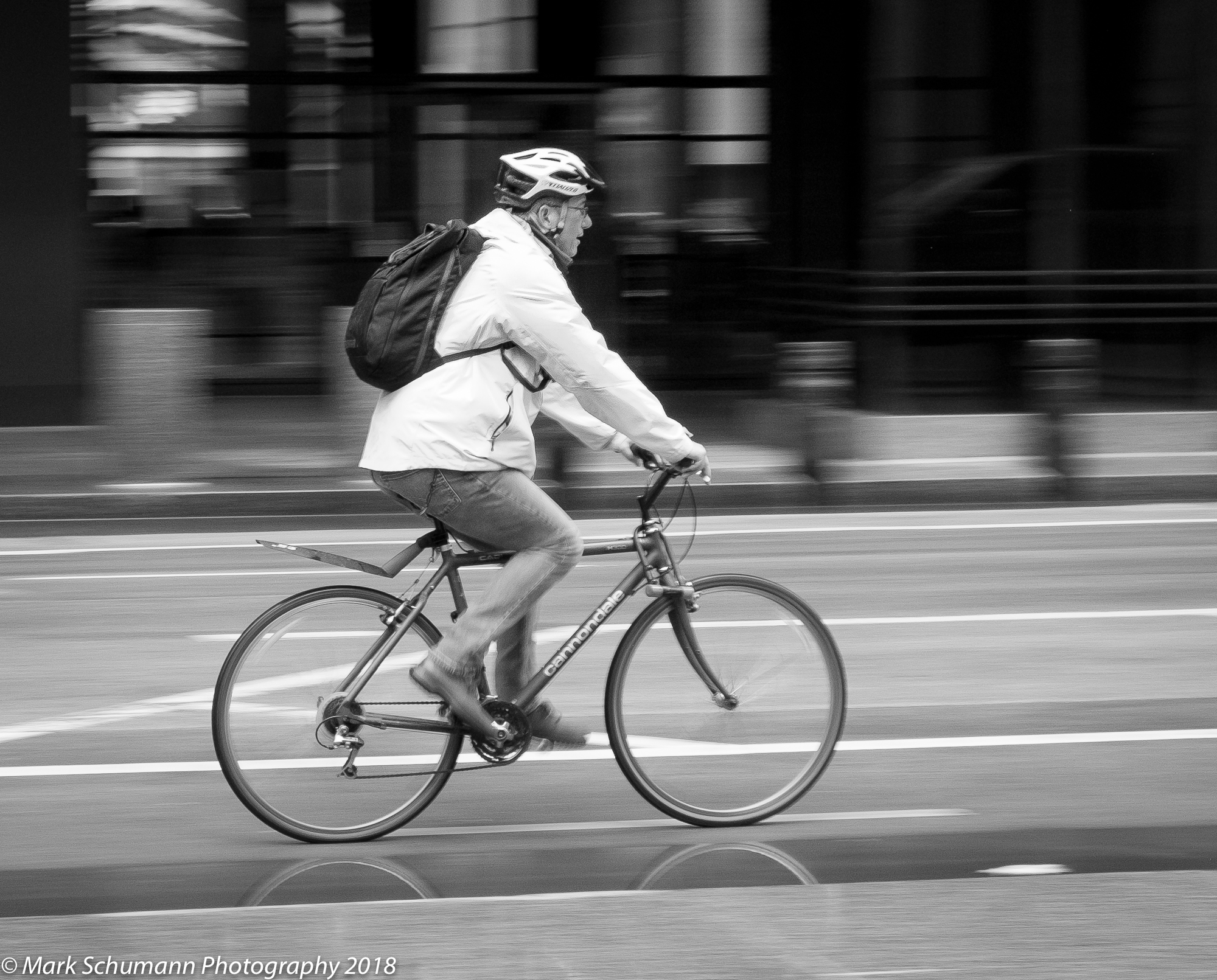 Street Photography_Chicago_Cycle Faster_113018.jpg