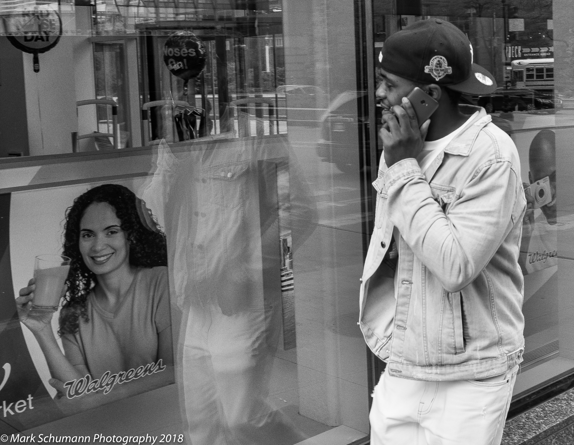 Street Photography_Chicago_Lookin' At You_113018.jpg