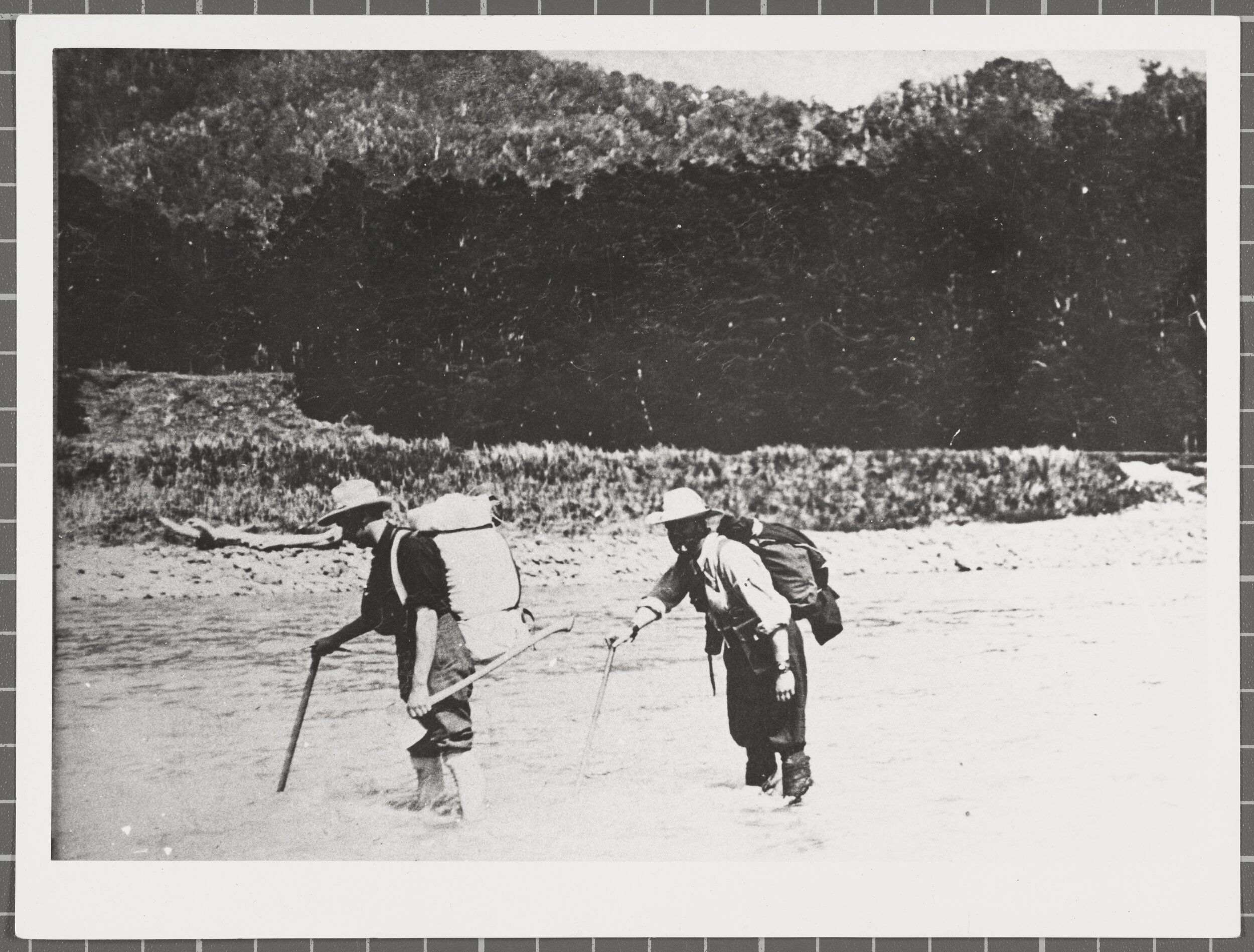 MATUKITUKI RIVER CROSSING, 1916, S19- 213B