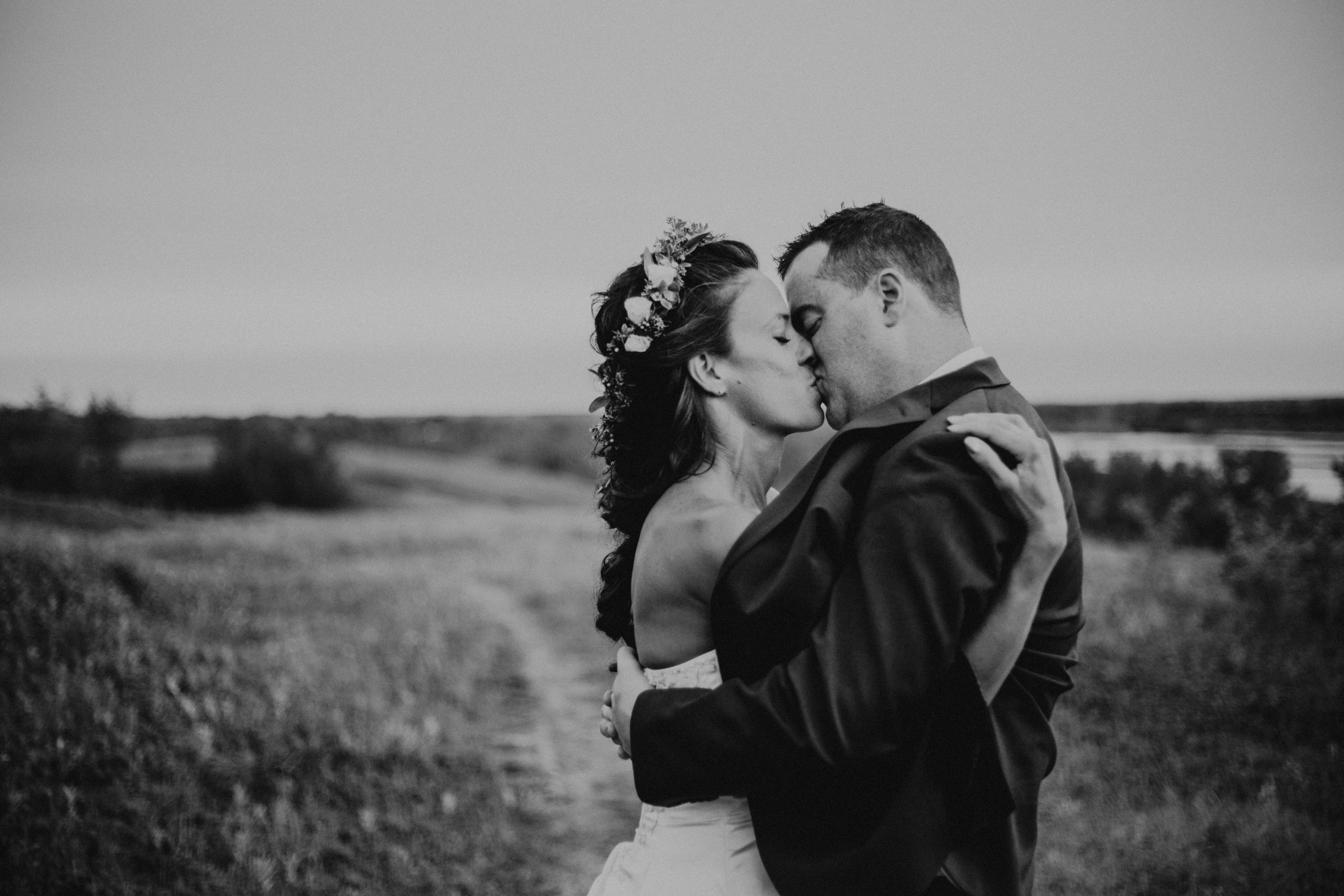EnsoulEndearmentImagery-WeddingAnniversary-CranberryFlatsSaskatoon-7861.jpg
