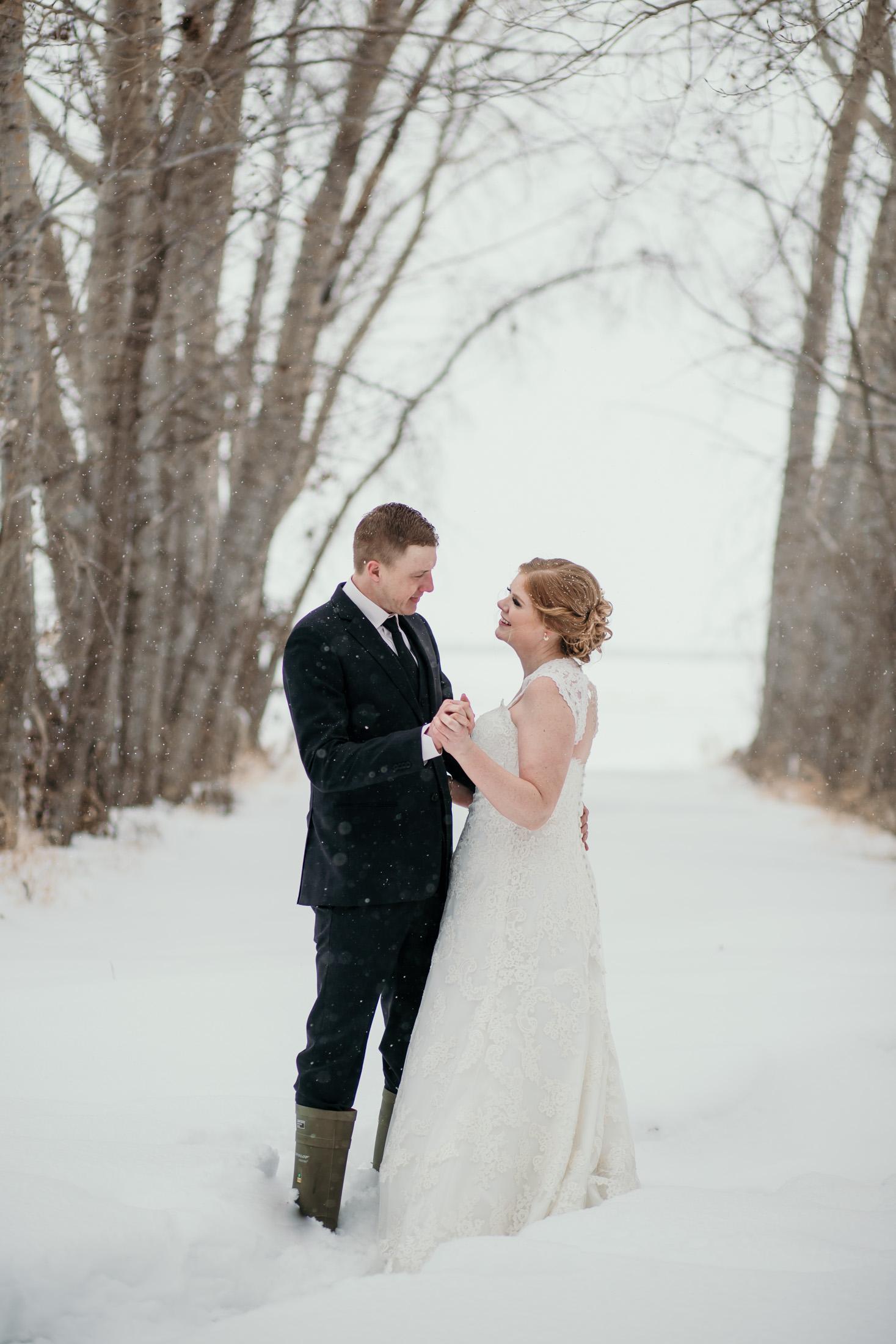 EnsoulEndearmentImagery-SaskatchewanWedding-WinterWedding-7981.jpg