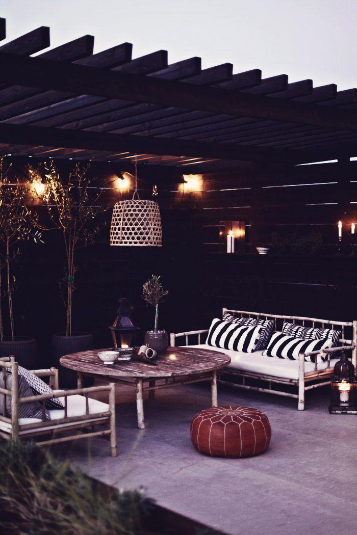 Invite (via  outdoor space. | jardin | Pinterest )