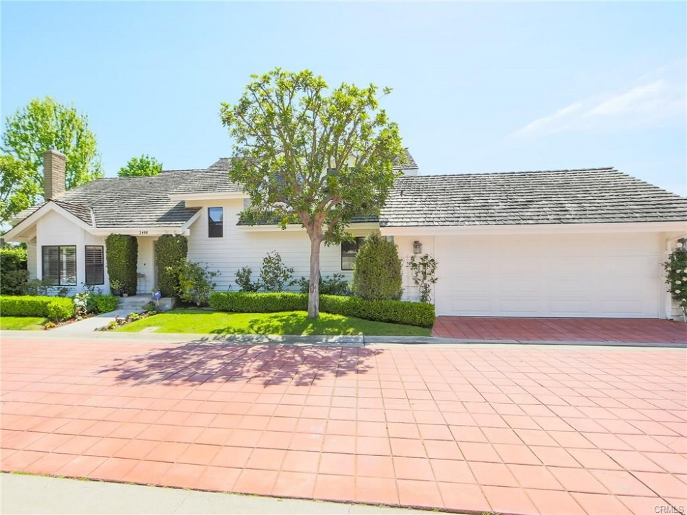 Notable: 1st-time buyer, highly desirable and competitive East Side Costa Mesa location