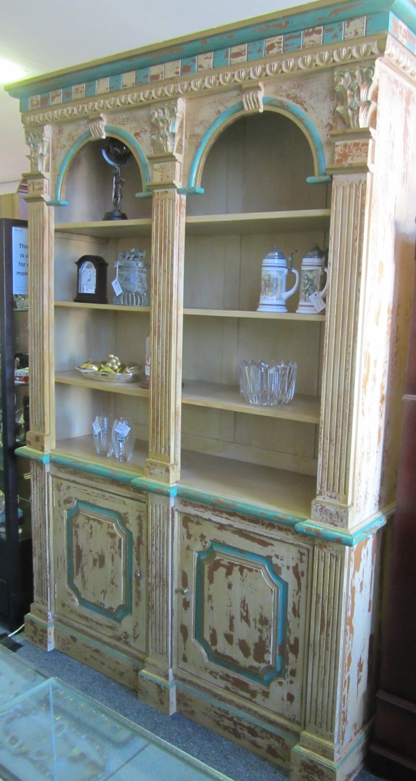 CLASSICAL STYLE DISPLAY CABINET