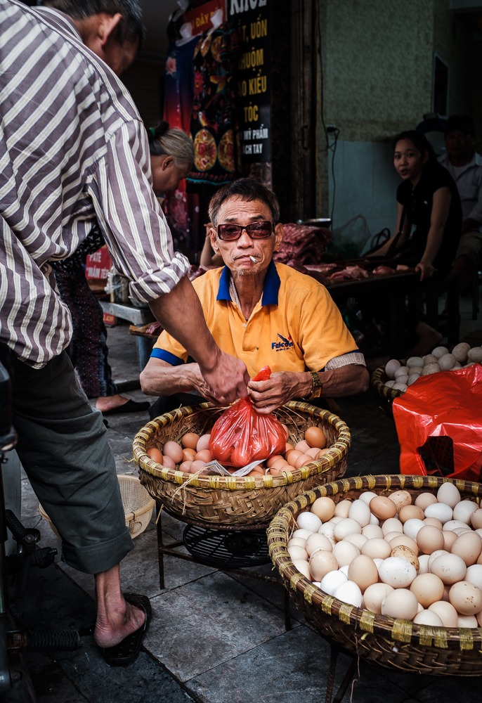 Hanoi man selling eggs