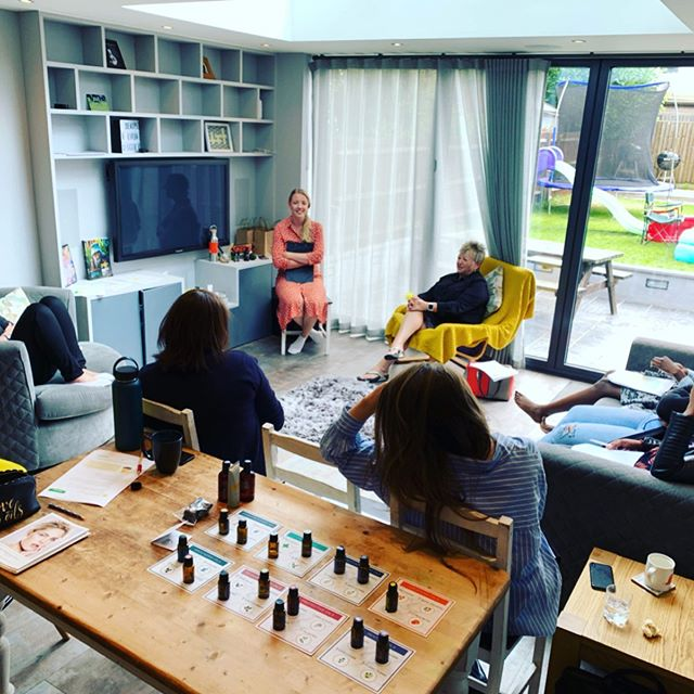 Another amazing wellness retreat in the heart of London last Saturday😌🌸 with @theadventuresofjakeandjo #vibrantyou #retreat #wellnesscommunity #summer2019 #london