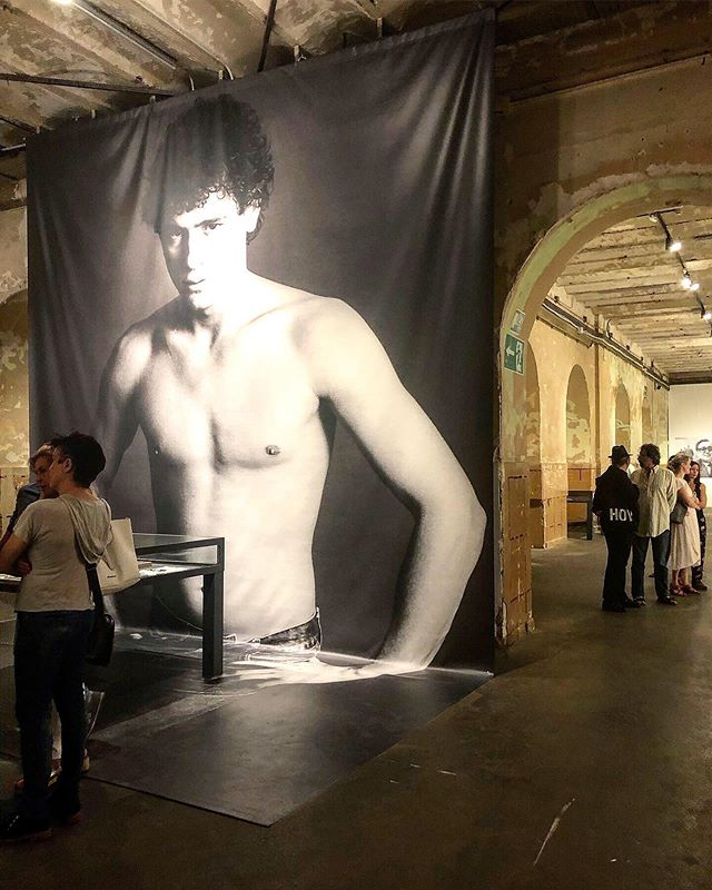 🧨🧨🧨🧨🧨🧨🧨🧨🧨🧨 . ... . Amazing exhibition of 1970's Spanish #screenwriter & #filmdirector ELOY DE LA IGLESiA @latabacalera . .. . ✖️Until the 8th September // curated by @pedrousabiaga ✖️ . .. . 🇬🇧 I personally didn't know anything about Eloy De la Iglesia before visiting his #filmography but boy am I glad I did!! De la Iglesia is a pioneer of non conformist cinema and portrayed #urbanmarginality #drugabuse #homosexuality & #juveniledelinquent. All of this during Franco's repressive regime and all-over dictatorship 👏👏 . .. . ¿¿Tu conoces su obra?? Cual es tu peli favorita 💯💯 . . ... . #eloydelaiglesia #tabacalera #latabacalera #cine #promociondelarte #cinema #filmography #filmografia #soloshow #museums #artshow #artgallery #pionner #groundbreaking #cineespañol #movidamadrileña #losplaceresocultos #artadvisor #artconsultant #artcollection #pedrousabiaga #artemadrid #madrid