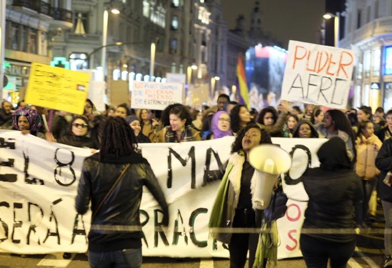 Bloque Afro-Feminista mixto durante la manifestación del 8 de Marzo, Madrid, Foto: Jose O. Ngalo