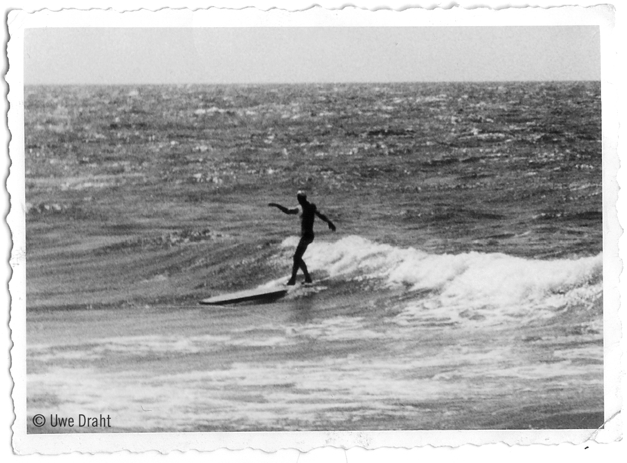 Surf-Pionier Uwe Draht 1953 vor Westerland.