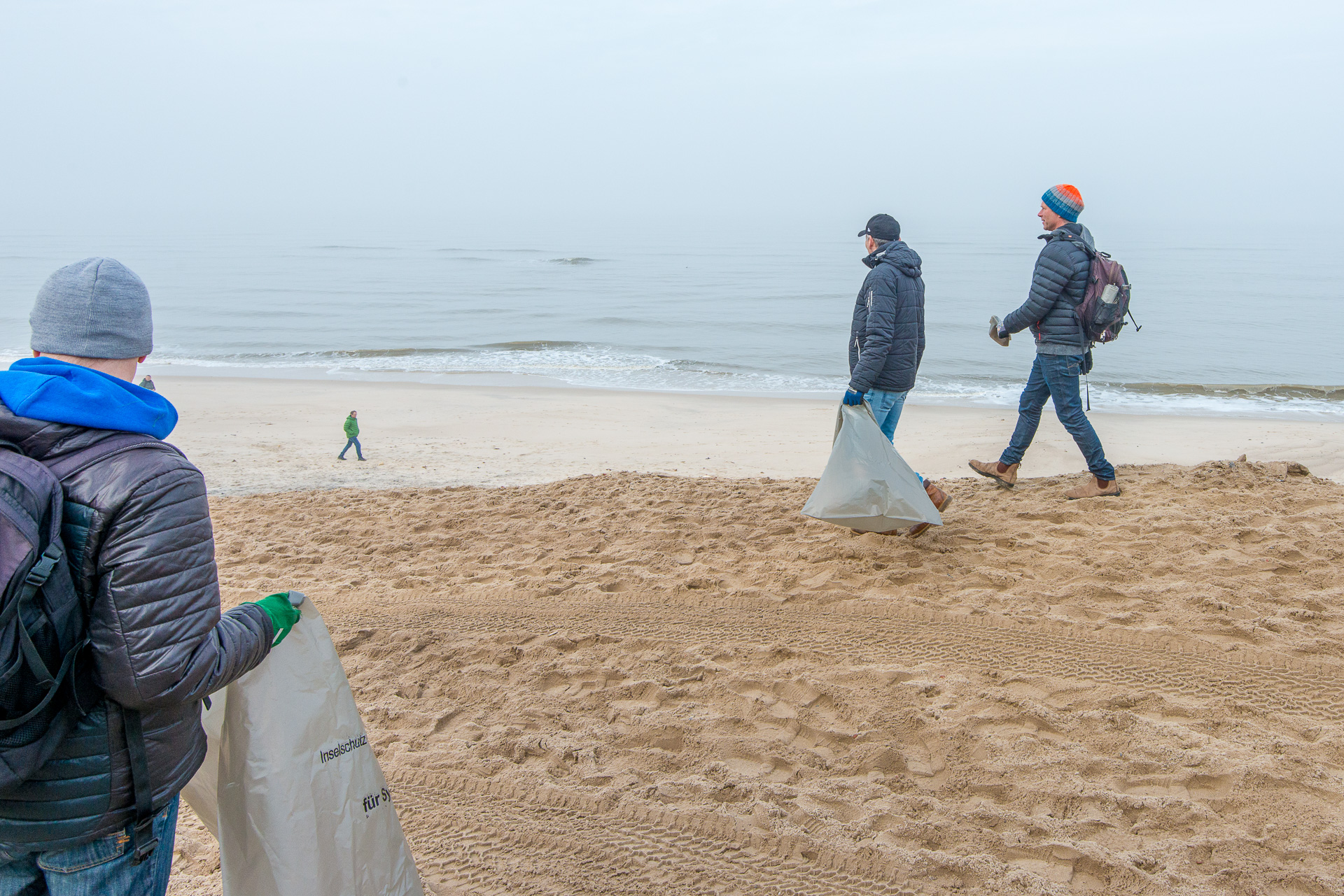 2018-03-25_Beach_Clean_Up_013.jpg