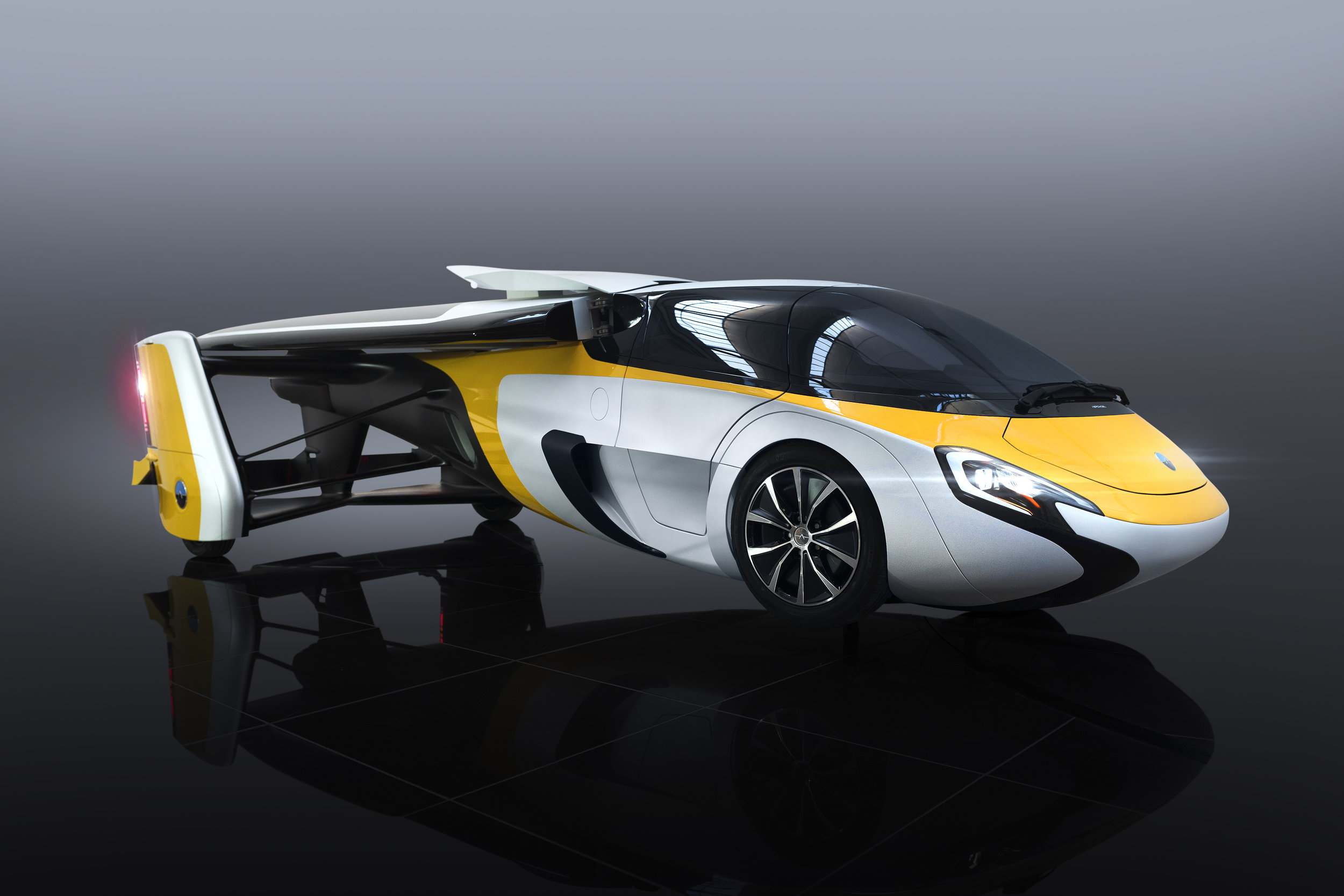 AeroMobil_4.0_STOL_Car_Configuration_Studio_Dark_Background.jpg