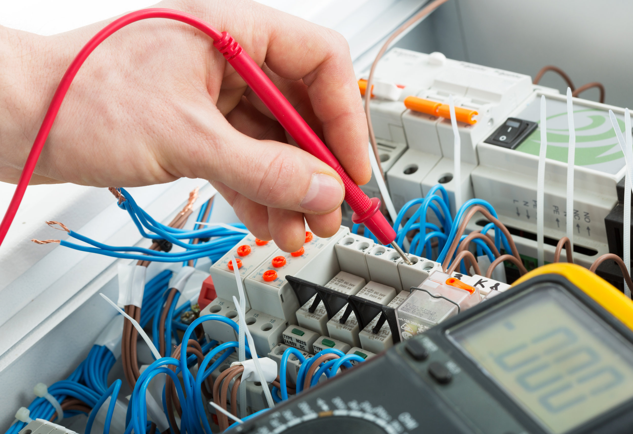 electrician-crawley-west-sussex-electrical-services-test-inspection.jpg