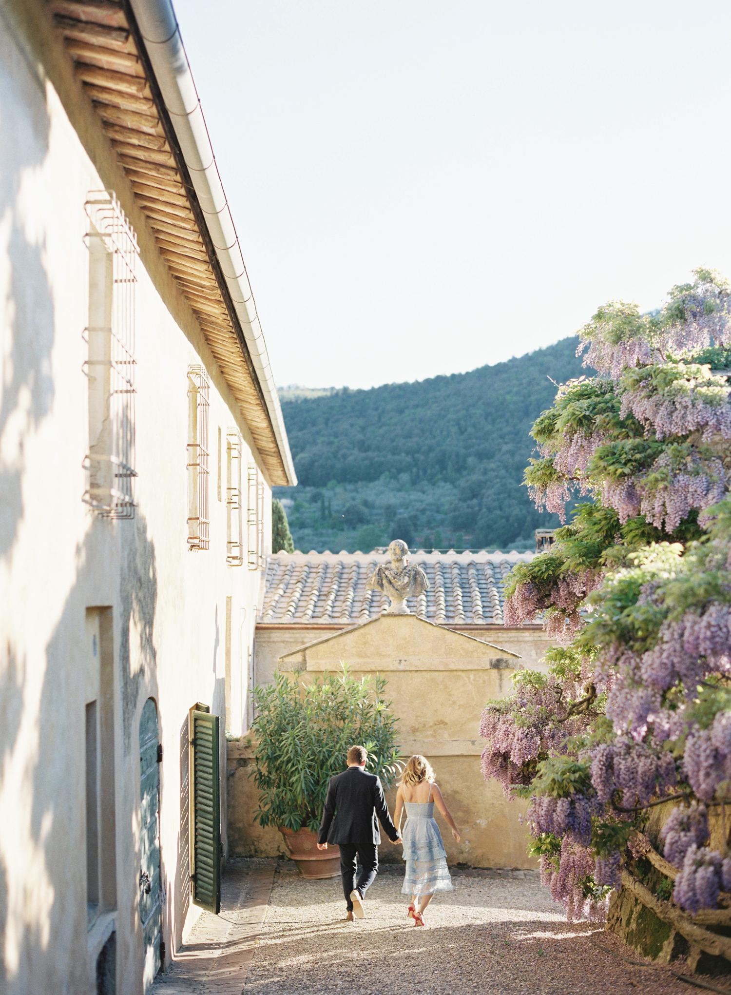 villa-cetinale-engagement-12.jpg
