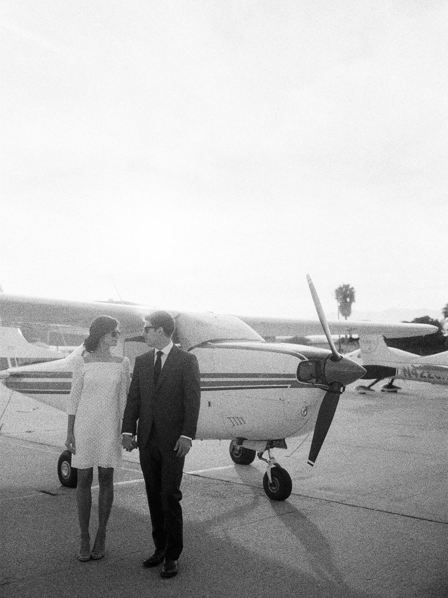 airport-engagement-shoot-25.jpg