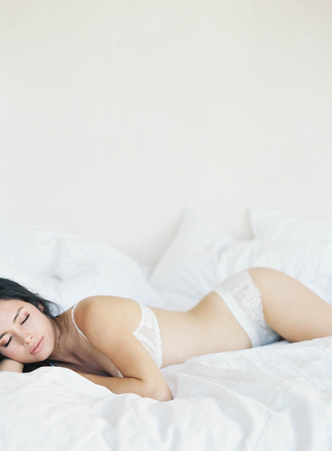 boudoir-on-film-105-Jen_Huang-Bhldn-237-Jen_Huang-002783-R1-016.jpg