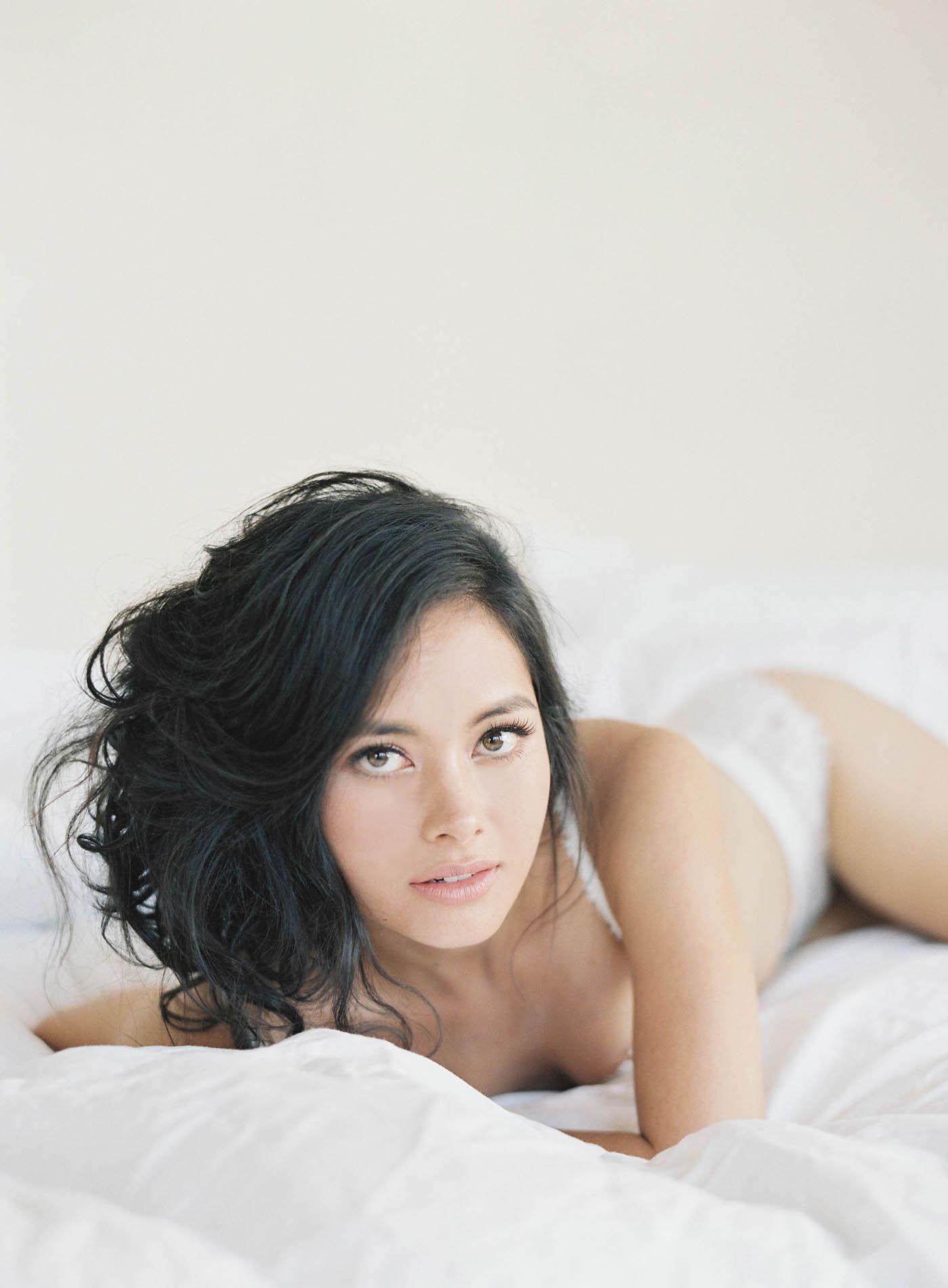 boudoir-on-film-111-Jen_Huang-Bhldn-196-Jen_Huang-002783-R1-015.jpg