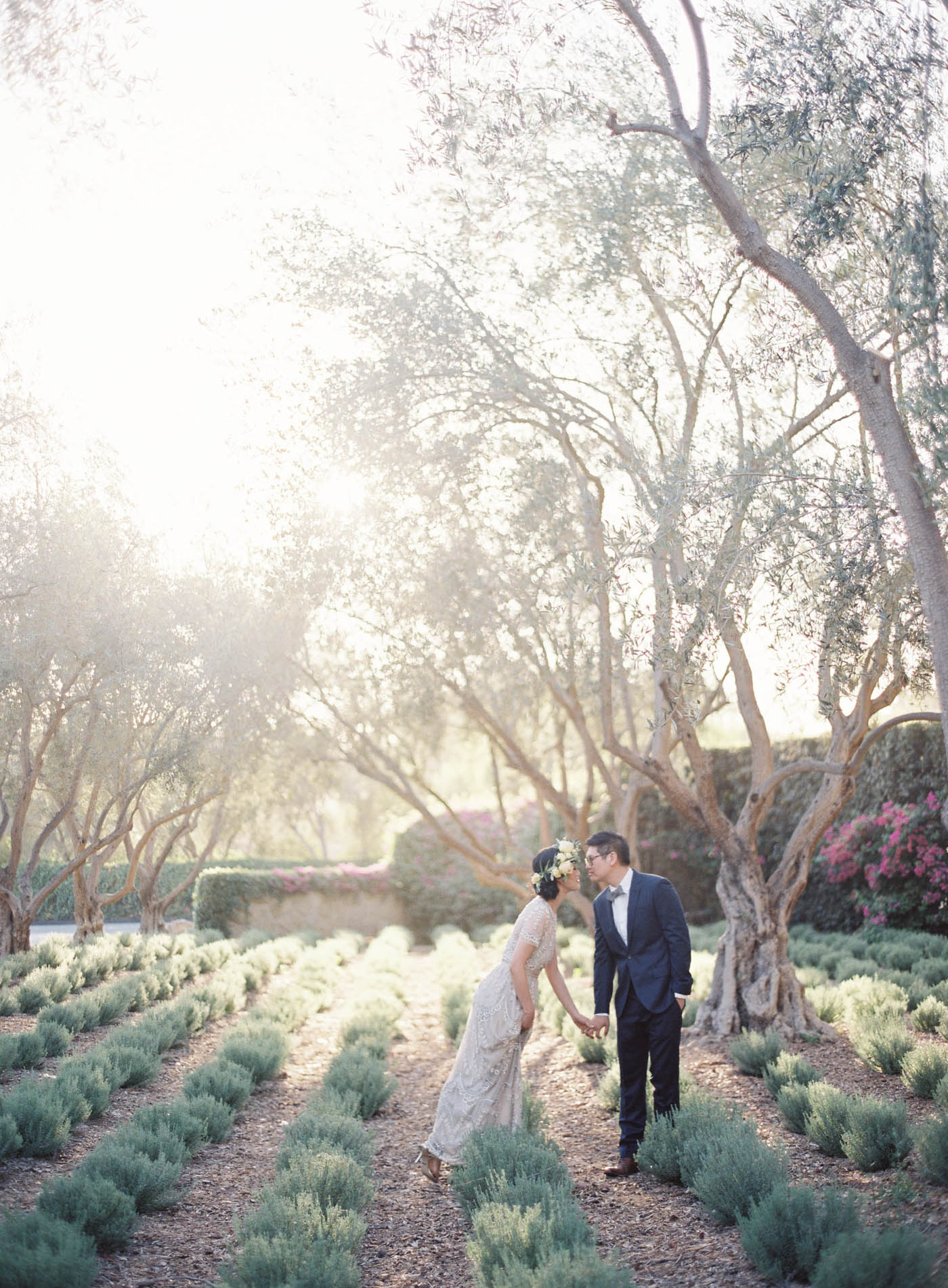 san-ysidro-ranch-garden-wedding-jen-huang-13.jpg