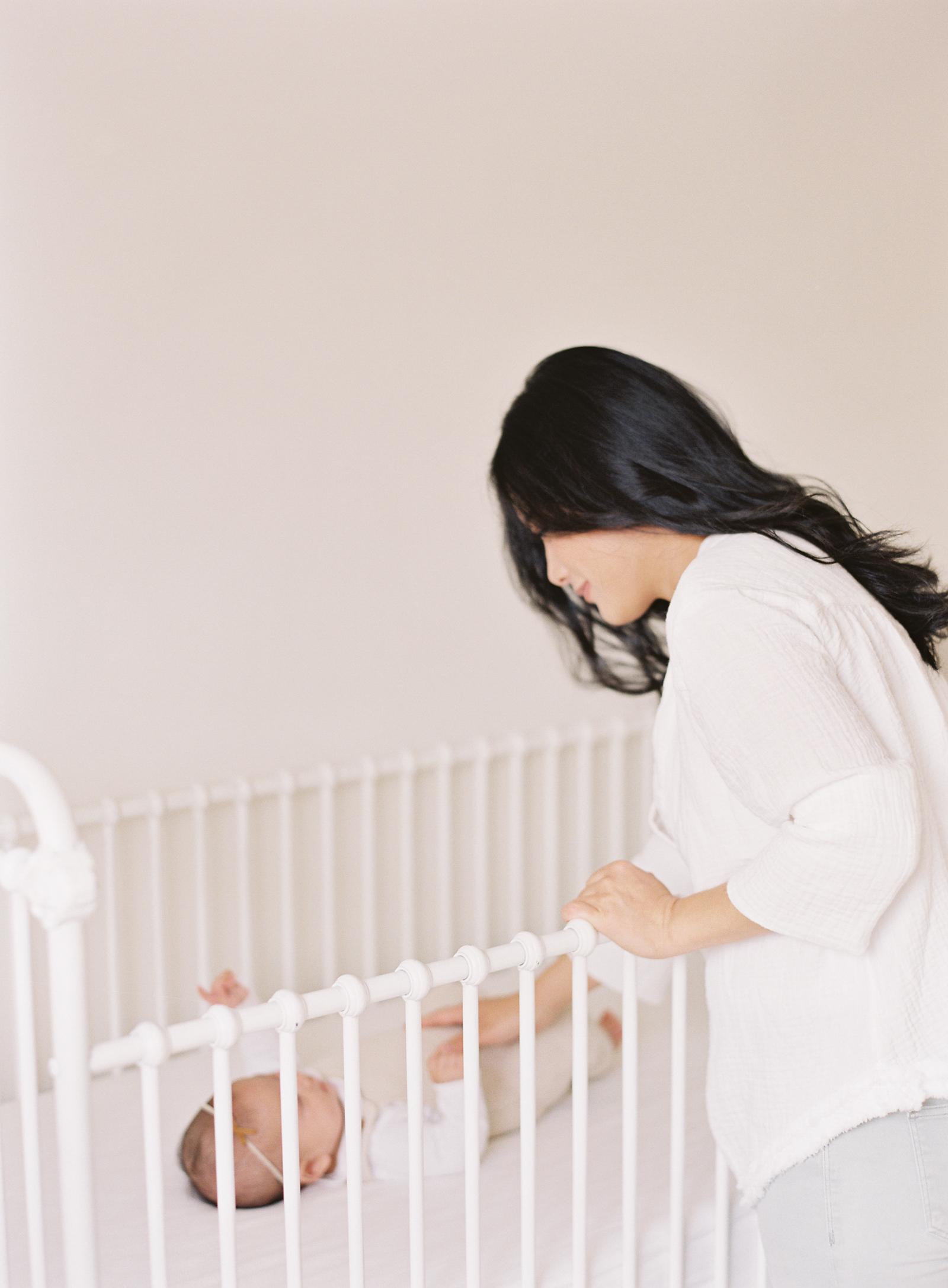 Pasadena_Newborn_Photos-7-Jen_Huang-008851-R1-005.jpg