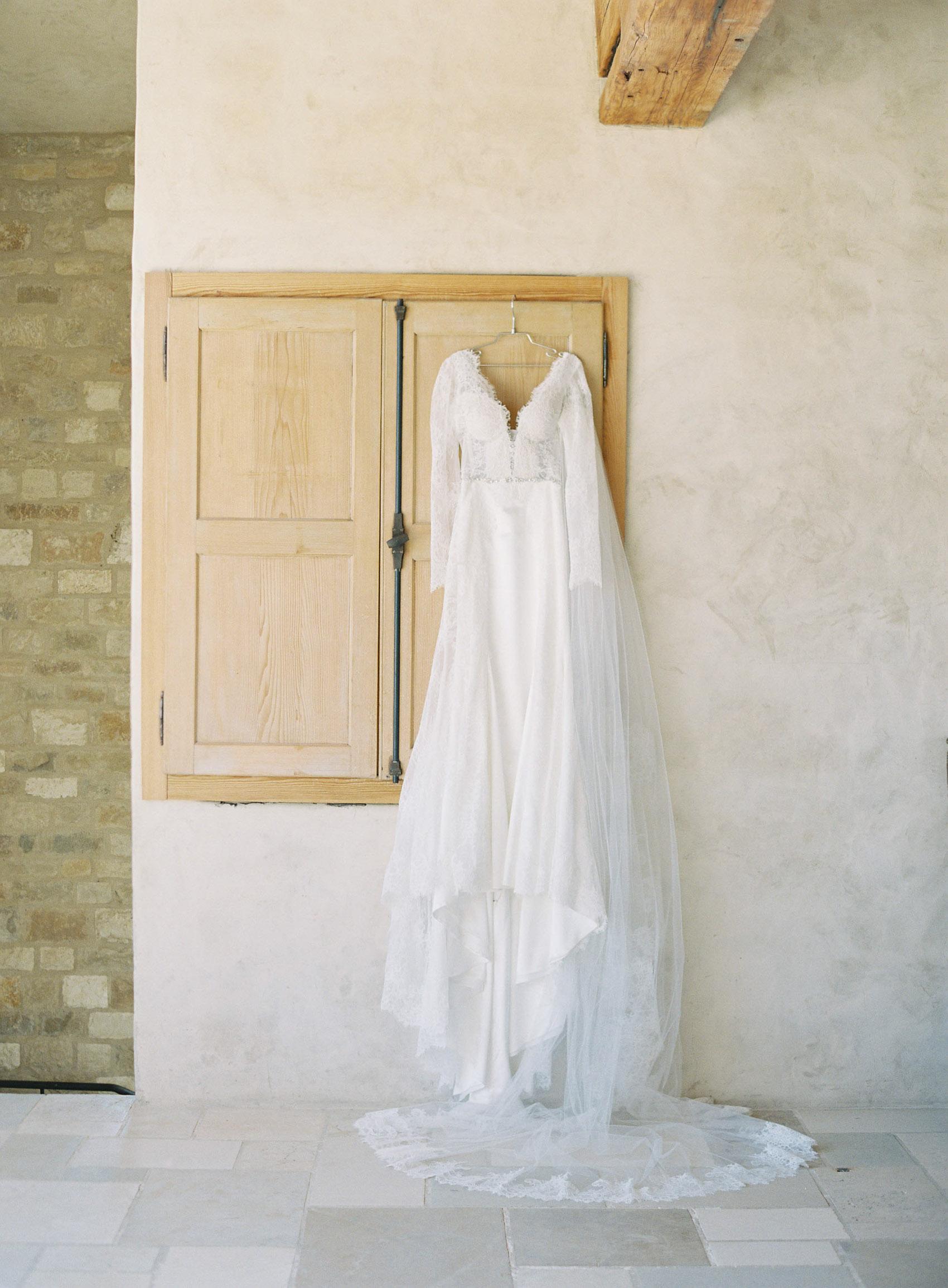 Sunstone_Villa_Wedding-2-Jen-Huang-JTEd-5-Jen_Huang-002832-R1-011.jpg