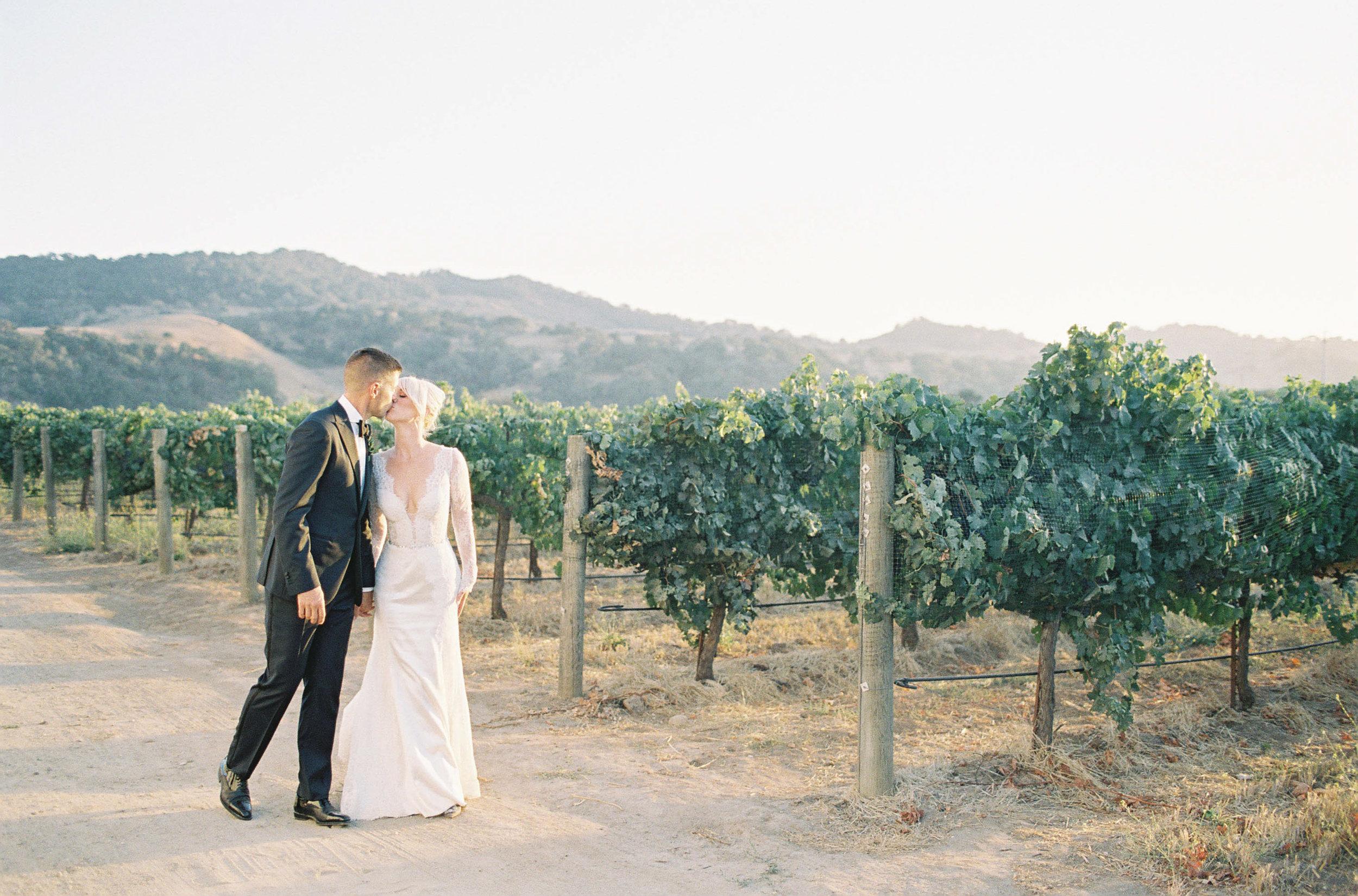 Sunstone_Villa_Wedding-71-Jen-Huang-JTEd-108-Jen_Huang-002818-R1-004.jpg