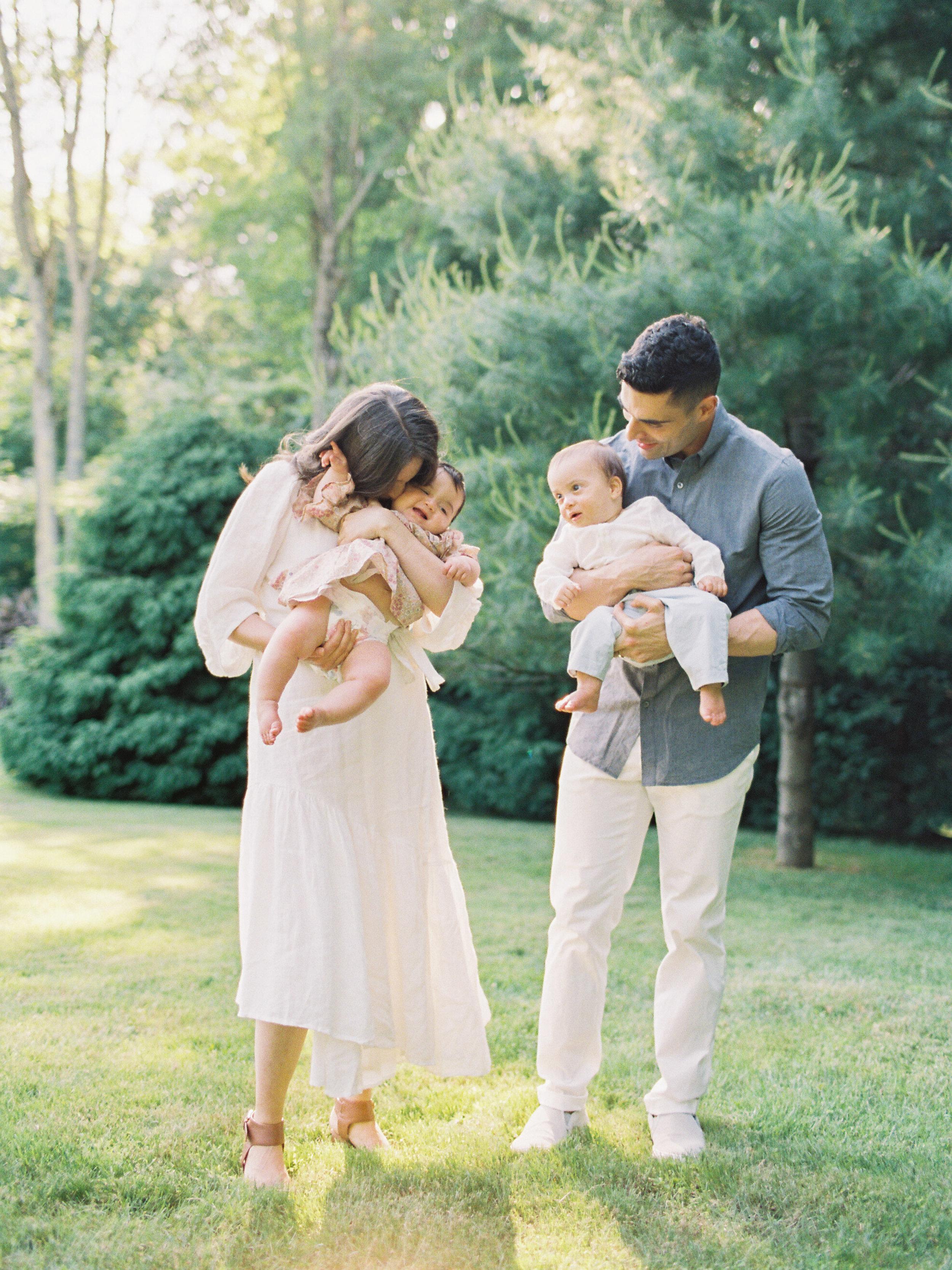 Pound-Ridge-Family-Portraits-63-Jen-Huang-003167-R1-011.jpg