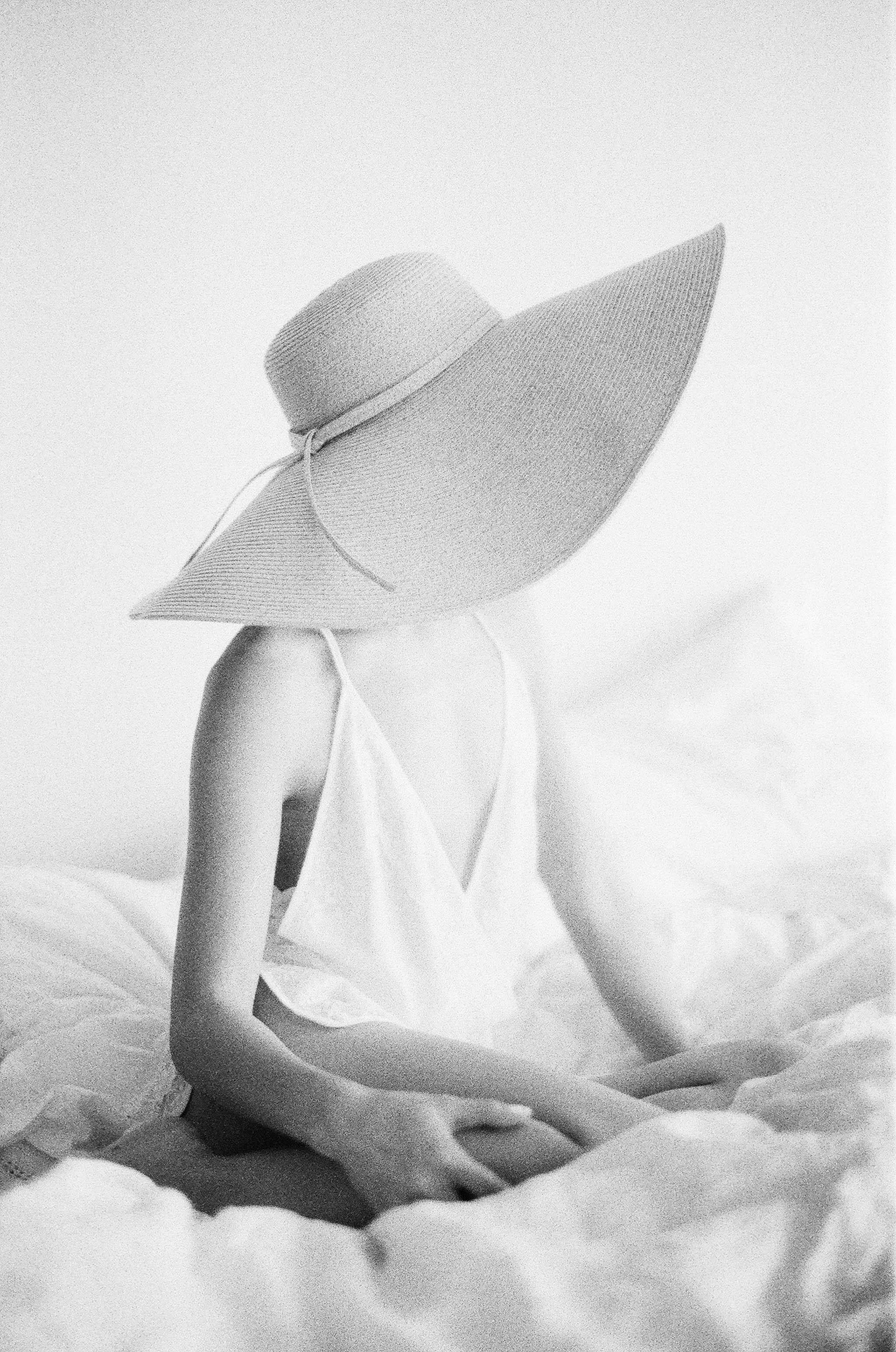 Veronique - Natural Boudoir SeriesChiali Meng ArtistryGirl and a Serious DreamBHLDN