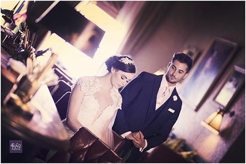 wedding-photographs-in-merchant-hotel-4-w550.jpg
