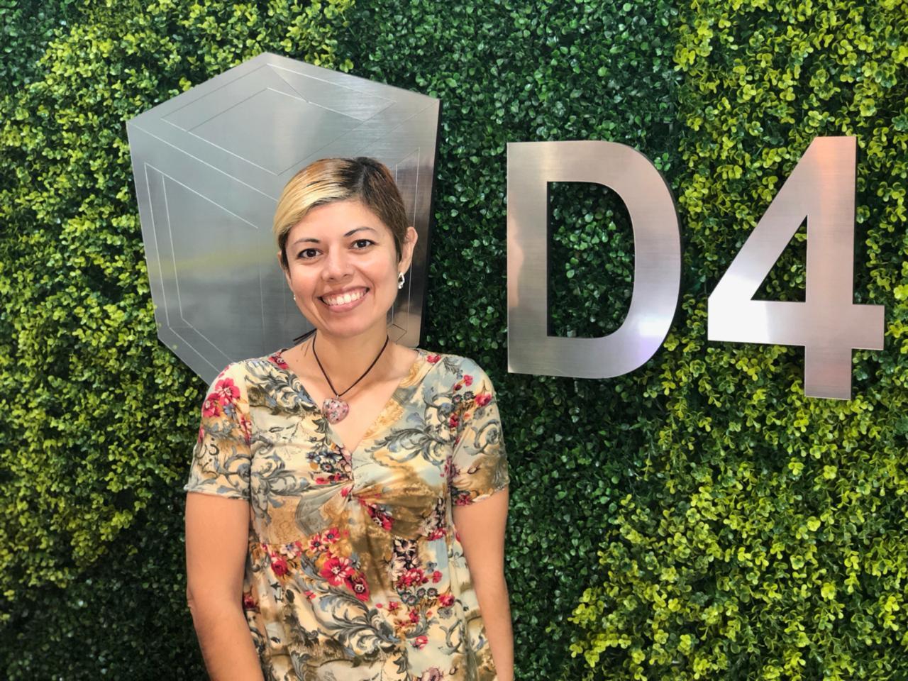 Docente en el área de diseño gráfico ING. Erica Yazmin cortes Cavazos    Especialista en:  diseño gráfico, publicidad, diseño de muebles, electrónica.