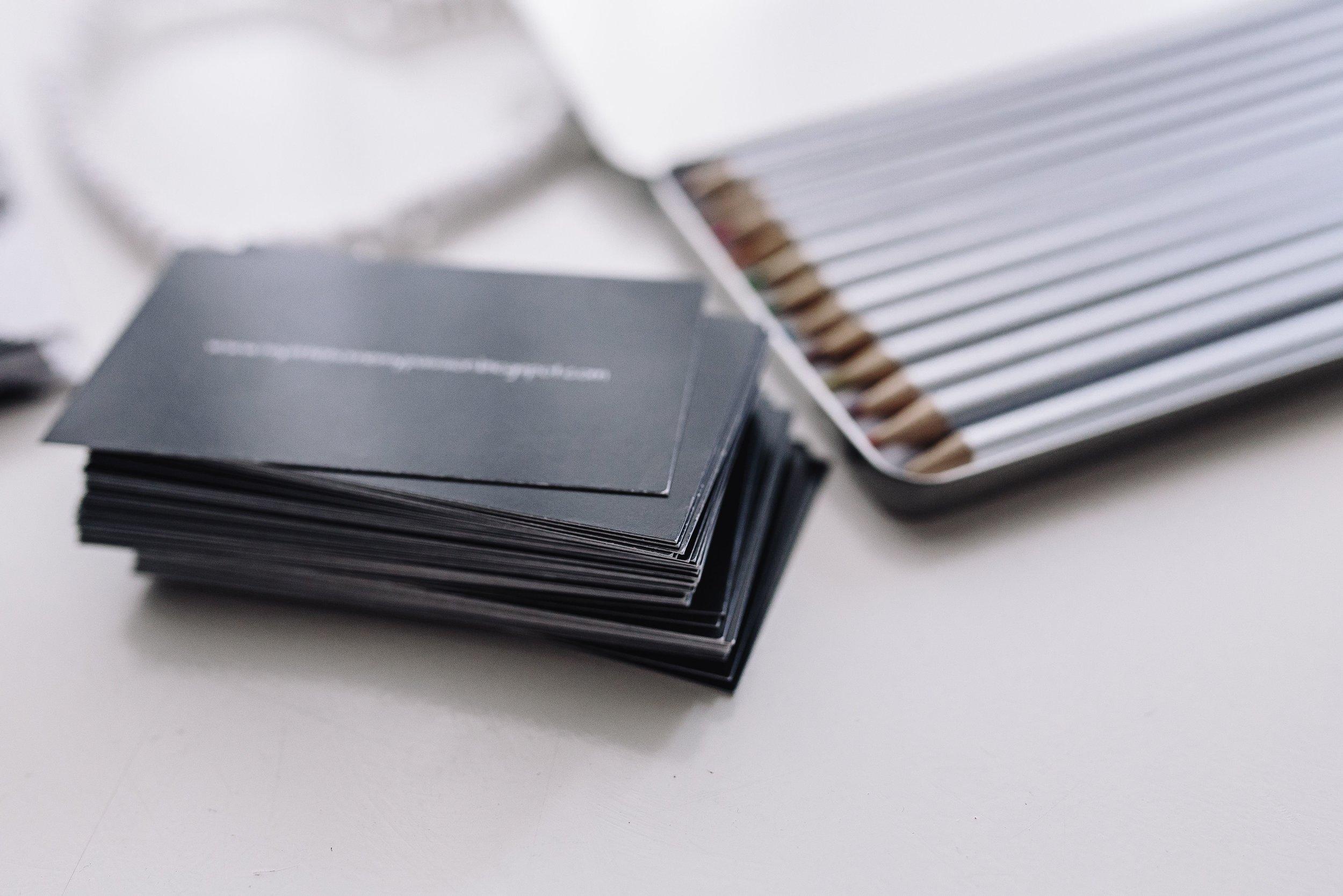 kaboompics_Silver crayons in a box.jpg