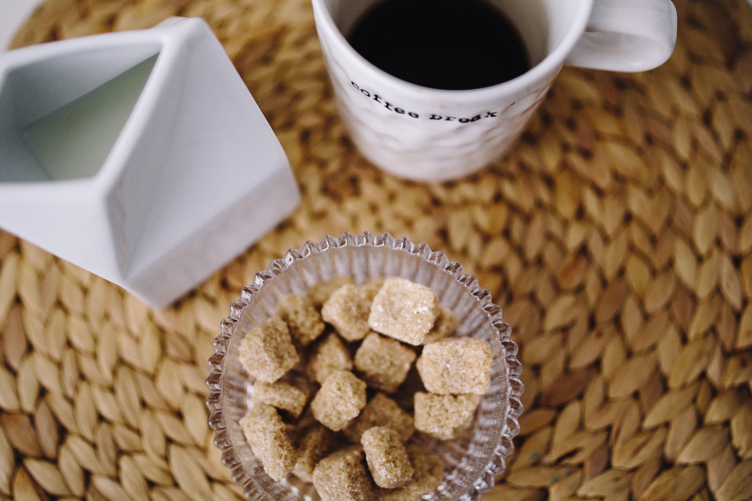 kaboompics_Sweet dessert with coffee.jpg