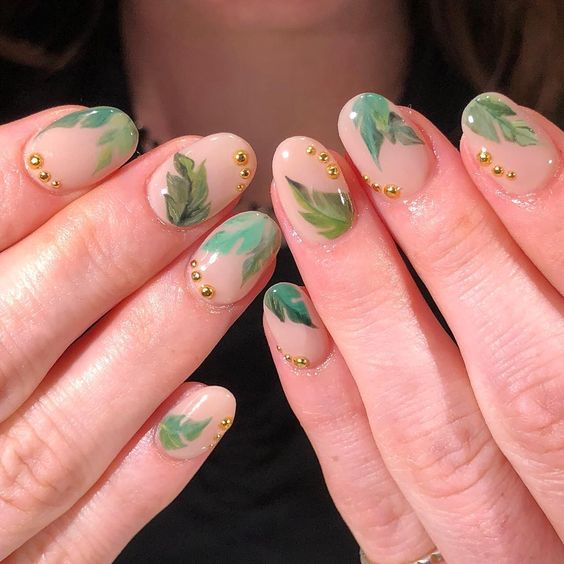Inspo and pic from    nycchiaranails