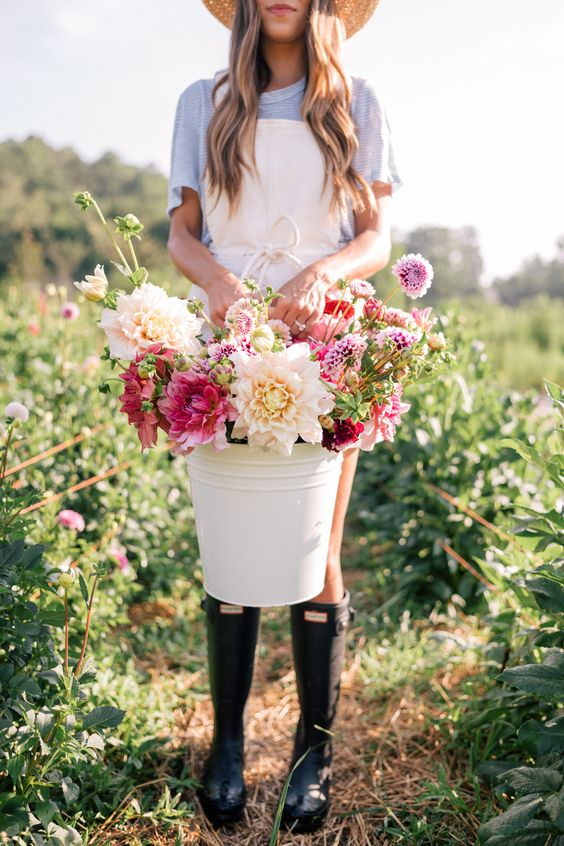 Flourish Flower Farm/  GalMeetsGlam