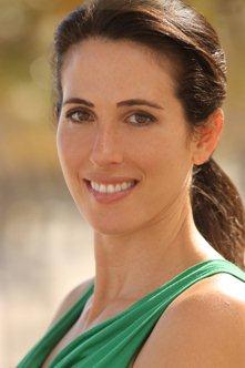 Nicole-Lanvin-yoga-pilates-health-coaching.jpeg