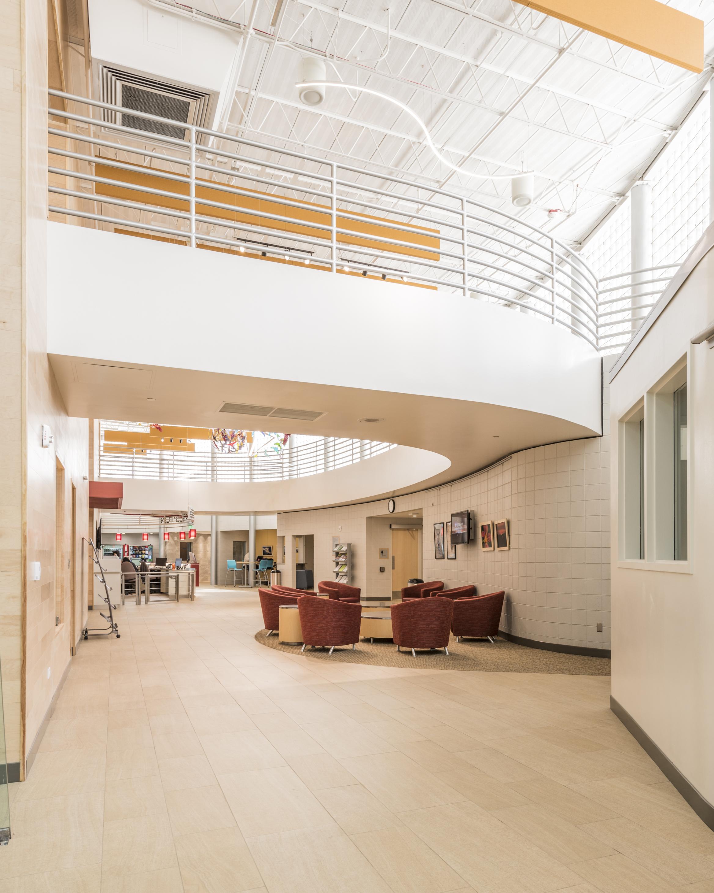 Essenza-Eagle-Pointe-Recreation-Center-022.jpg