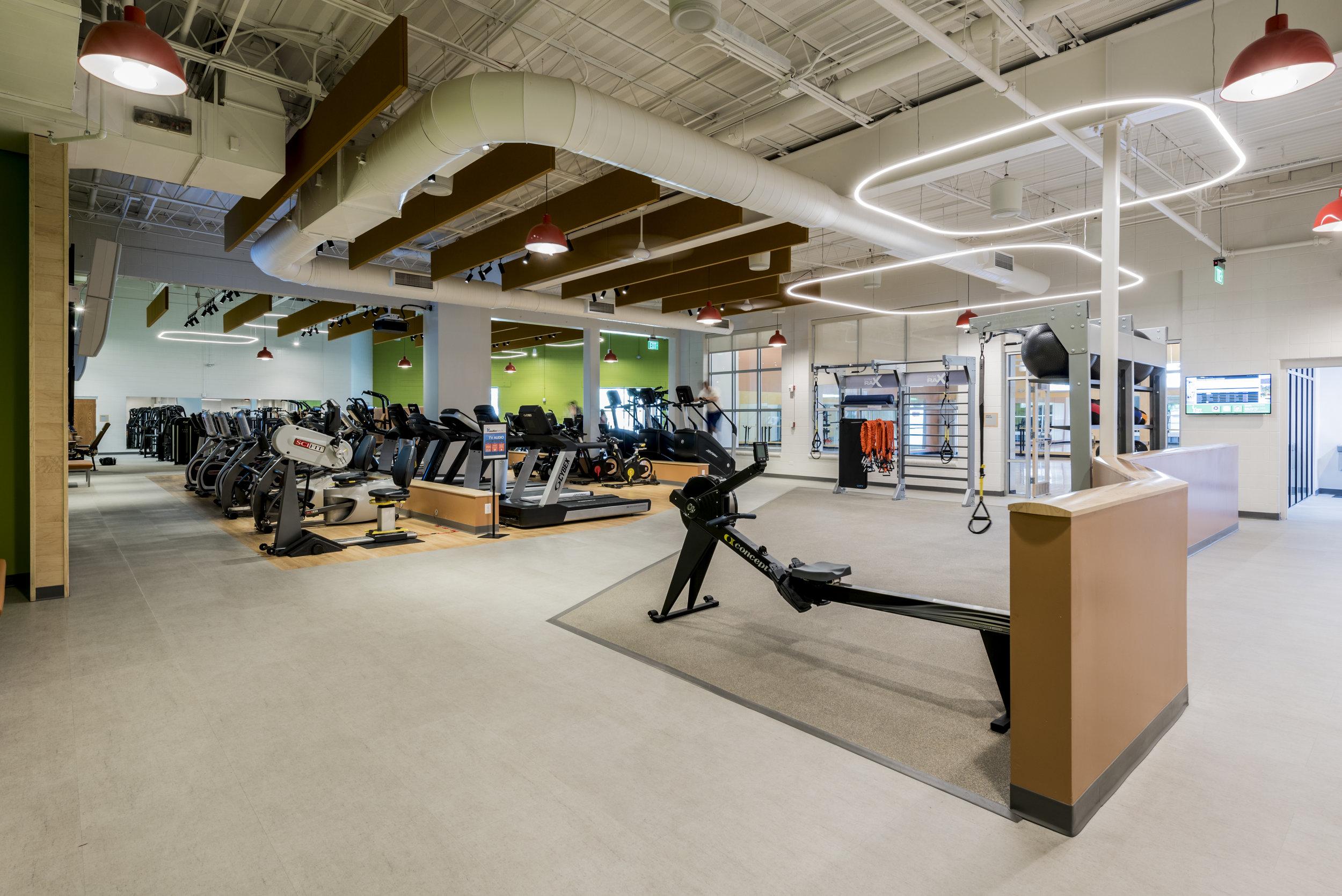 Essenza-Eagle-Pointe-Recreation-Center-046.jpg