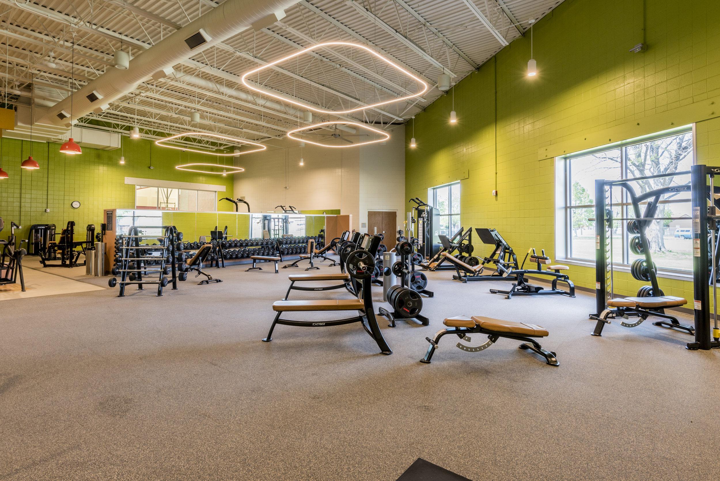 Essenza-Eagle-Pointe-Recreation-Center-056.jpg