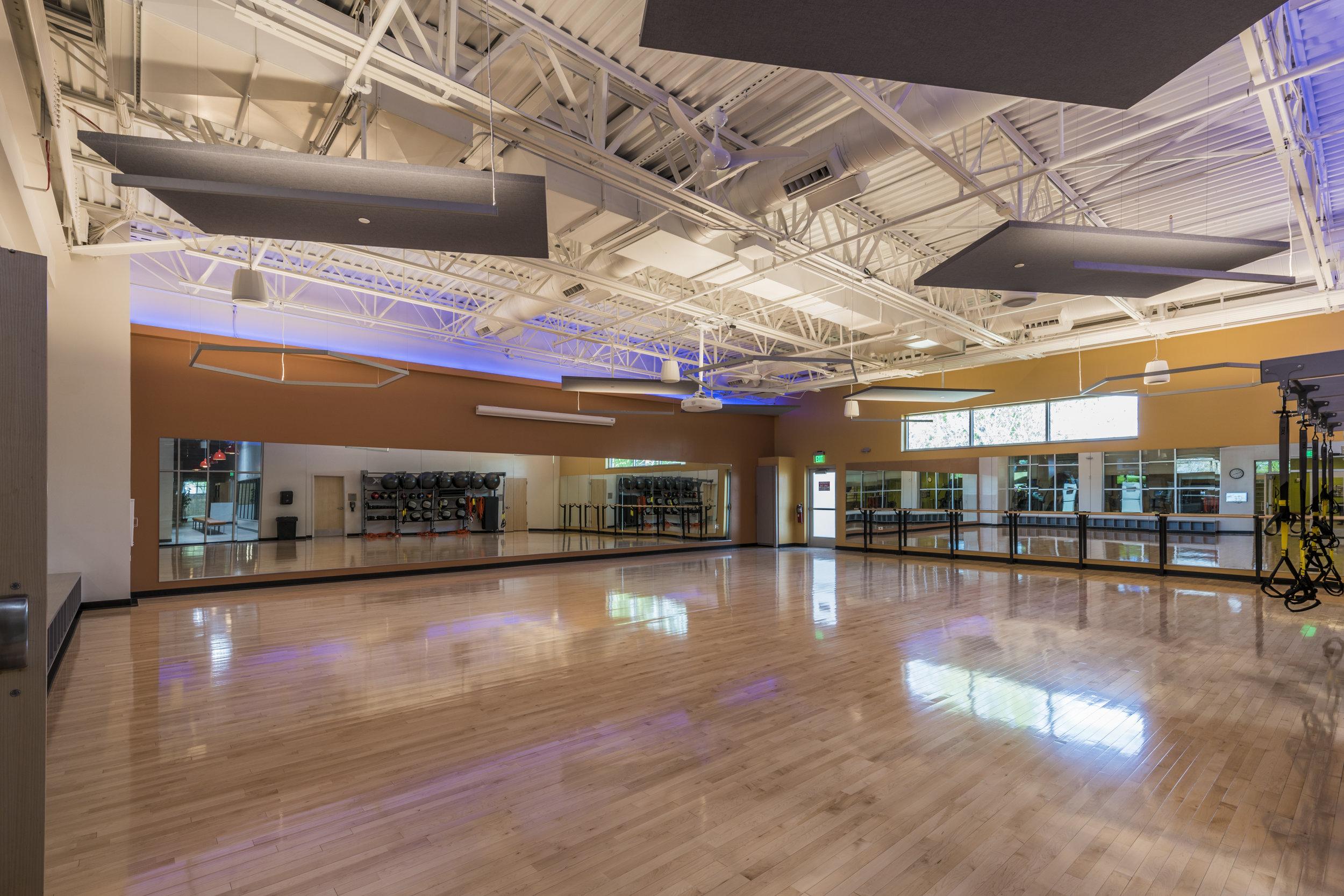 Essenza-Eagle-Pointe-Recreation-Center-066.jpg