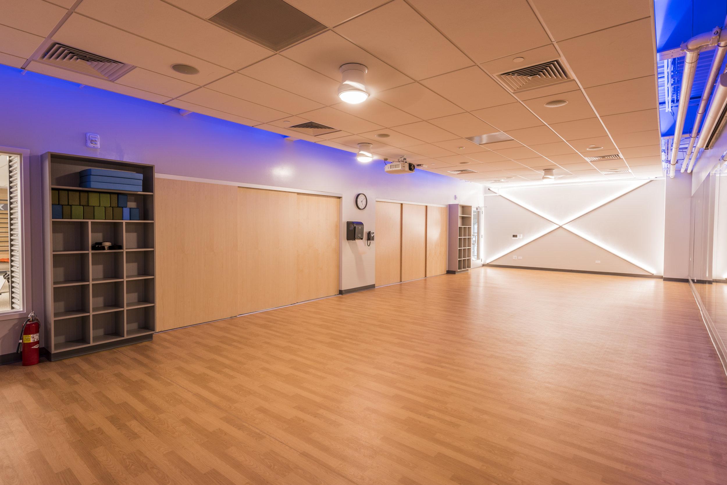 Essenza-Eagle-Pointe-Recreation-Center-107.jpg