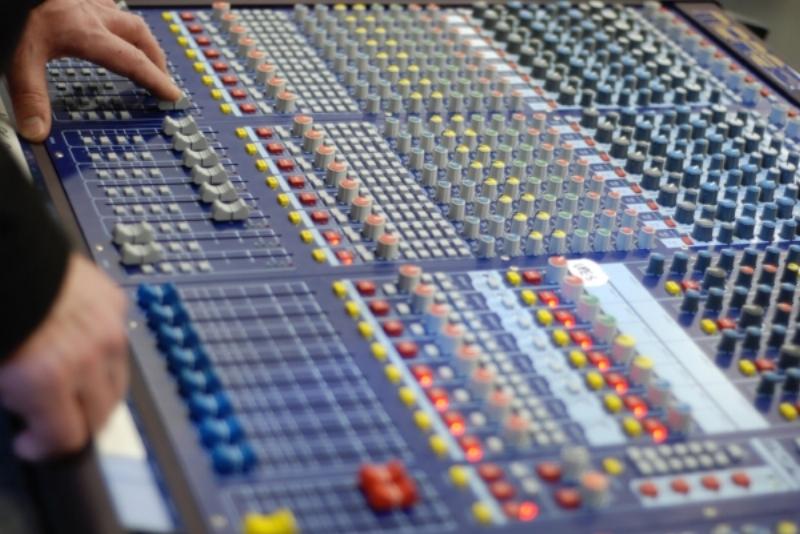 WWRY mixing board 017.jpg
